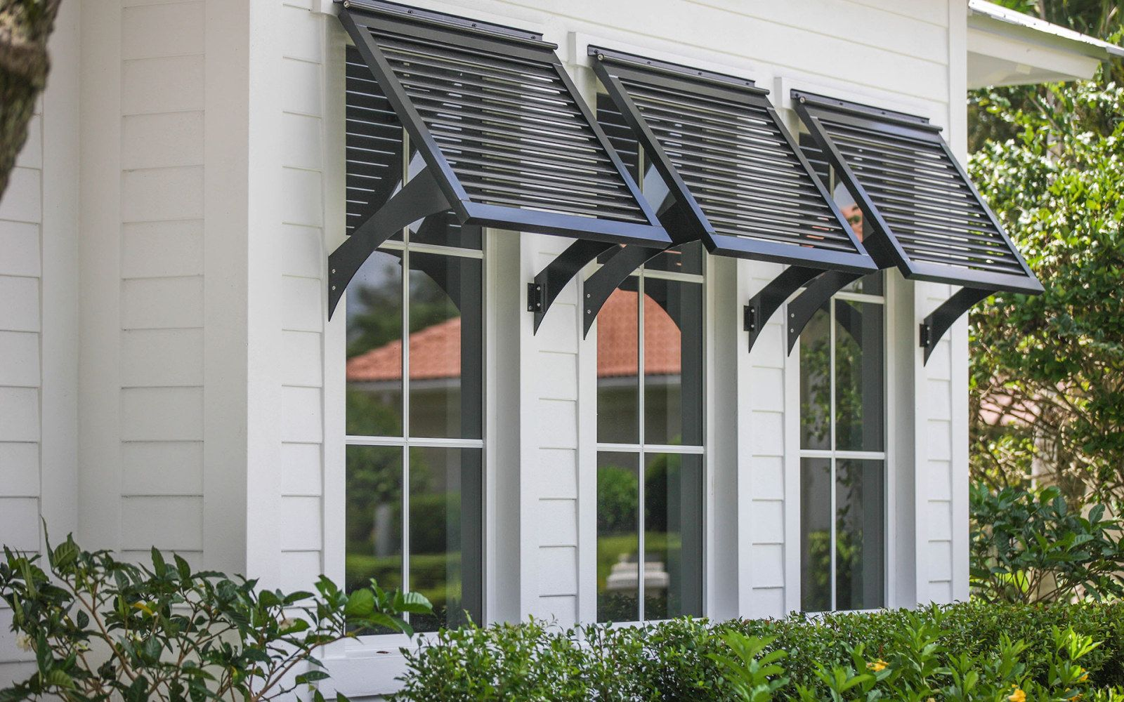 Outdoor shutter blinds