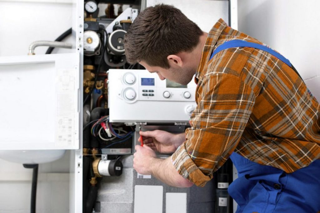 Why choose a contractor for a hot water service?